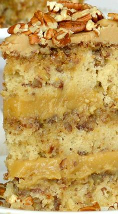 Pecan Pie Cake with Pecan Pie Filling and Caramel Glaze Pecan Recipes, Cake Recipes, Dessert Recipes, Cooking Recipes, Dessert Food, Frosting Recipes, Dessert Ideas, Sweet Recipes, Pecan Pie Cake