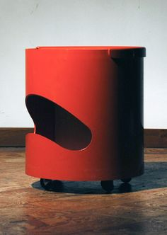 Joe Colombo, Robo Side Table by Elco Bellato, 1969. I'm a Colombo fan, and never knew 'bout this one.
