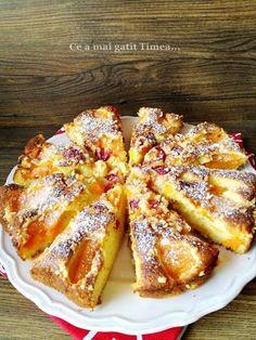 Prajitura cu caise si cirese - Retete Timea Romanian Desserts, Romanian Food, Cookie Recipes, Dessert Recipes, Good Food, Yummy Food, No Cook Desserts, Sweet Tarts, Bakery