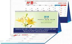 Lịch Để Bàn 2016 Chữ M Chủ Đề Hoa Ly với những bông hoa ly đầy màu sắc giúp cho bạn cẩm thấy một thế giới hoa đầy màu sắc, Thiết kế nhỏ gọn bạn có thể để bất cứ đâu trên bàn.
