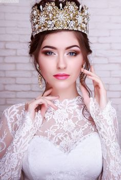 Wedding white Crown with gold Flowers for Bride, Bridal Golden Tiara, Floral Custom Marriage Diadem, Princess White Pearls Crown Princess Shot, Iranian Wedding, Pageant Headshots, Wedding Headdress, Pink Crown, Bridal Makeup Looks, Bridal Photoshoot, Beautiful Girl Photo, Girl Photo Poses