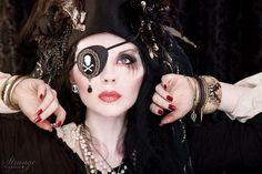 Gorgeous Pirate Makeup