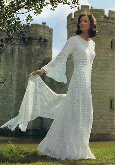 Vintage Wedding Dress...I would wear it today!