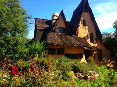 A Guide to Storybook Cottages: This adorable architecture style will appeal to your inner child.
