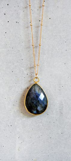 This listing is for one gorgeous large Blue Fire Labradorite vermeil bezel pendant necklace. The color of the stone is stunning in person. The aprox. 27mm pendant is suspended from an 18 inch long 14k gold filled beaded chain. This is a timeless & classic piece. It looks great when layered with other of your favorite pieces. __________________________________________________ Please take a moment to join me on Facebook! @ www.facebook.com/shopkei _________________________________...