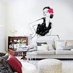 La « femme assise sur un canapé »