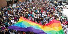 """La """"Homosexualidad"""" en Venezuela ha tenido distintos grados de aceptación a lo largo de la historia a pesar de la homofobia que existe."""