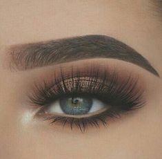 Best Makeup Blue Green Eyes Eyeliner 69 Ideas #makeup #DiyEyeCream Makeup For Green Eyes, Blue Eye Makeup, Smokey Eye Makeup, Makeup Eyeshadow, Eyelashes Makeup, Natural Eyelashes, Eyeshadow Blue Eyes, Makeup With Green Dress, Thick Eyelashes