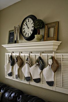 Since my mantel didn't get finished in time for Christmas.  I am going to do something like this above my sofa.  Perfect!!