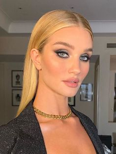 I Just Tried the Cult Concealer That Supermodels Swear By—Here's What I Thought Cle de Peau Concealer: Rosie Huntington-Whiteley schwört darauf Makeup Trends, Makeup Hacks, Makeup Tips, Makeup Ideas, Makeup Inspo, Glam Makeup, Bridal Makeup, Wedding Makeup, Hair Makeup