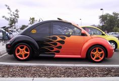 who knew flames were such a hit on bugs? Beetle Bug, Vw Beetles, My Dream Car, Dream Cars, Vw Beetle Convertible, Ferdinand Porsche, Vw Cars, Sweet Cars, Car Painting