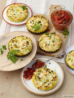 Saftiger Kartoffelteig, dazu süß-pikante Tomatenkonfitüre - so kann moderne Heimatküche aussehen.