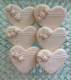 wedding cookies New cake decorating wedding sugar cookies Ideas Fancy Cookies, Iced Cookies, Royal Icing Cookies, Cupcake Cookies, Owl Cookies, Summer Cookies, Cookie Favors, Heart Cookies, Easter Cookies