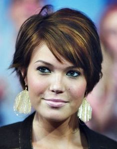 short hairstyles for plus size women
