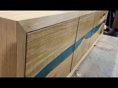 Подготавливаем к отправке тумбу из массива дуба. Фасады с синей речкой, на фурнитуре блюм. И это еще не всё, на тумбе будет установлен книжный шкаф, так же с фасадом-речкой. ⠀ Заказывайте мебель у нас!!!✌️ ⠀ ☎️ +7(925)485-6273 📩 p.a.harlamov gmail.com 🌐 woodenslab.ru ⠀  woodenslab #тумба #комод #кухня #стол #table #resinandwood #resinwood #resinart #desing #дизайн #wood #slab #слэб #столрека #rivertable #resinartwork #loft #eco #лофт #эко #экомебель #столешница #столизкарагача #столизслэба…