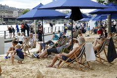 Paris Plages: Paris opens fake beaches along the Seine