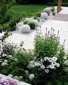 modern garden decor Greencube garden and landscape design, UK: Sculpture in the garden, greencube designs a sculptural ball garden Back Gardens, Small Gardens, Outdoor Gardens, Modern Landscaping, Front Yard Landscaping, Landscaping Software, Landscaping Jobs, Landscaping Edging, Modern Patio