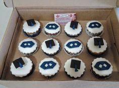 cupcake no lugar do bolo para formatura - Pesquisa Google