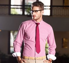 Express the real you adorning this pink coloured formal shirt from the house of Callino.com.