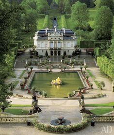 """Любимый дворец Людвига Баварского, Линдерхоф, был построен в 1870–1879 годах """"по мотивам"""" Малого Трианона в Версале. Здесь Людвиг бывал чаще всего."""