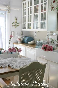 Decorate Your Home with Shabby Chic Cozy Kitchen, Shabby Chic Kitchen, Shabby Chic Cottage, Shabby Chic Homes, Shabby Chic Decor, Primitive Kitchen, Cottage Style, Kitchen Ideas, Fancy Kitchens