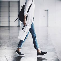 A great casual combo … distressed jeans, white long shirt-dress & tank top + black slip-on sneakers & back-pack Happily Grey, Larsson & Jennings, Denim Branding, Minimal Fashion, Distressed Jeans, Passion For Fashion, Autumn Winter Fashion, Mantel, Style Me