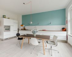 clean lines and simple kitchen - love it