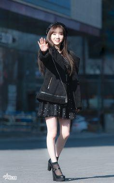 Kei (Lovelyz) South Korean Girls, Korean Girl Groups, Lovelyz Kei, Woollim Entertainment, Seong, First Girl, Airport Style, Debut Album, Asian Beauty