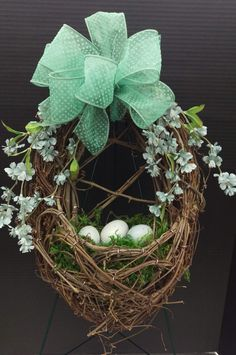 Attractive DIY Easter Wreaths that looks Fancy & Captivating - Ethinify Diy Spring Wreath, Diy Wreath, Spring Crafts, Easter Wreaths, Easter Crafts, Rabbit, Eggs, Floral, Easter Bunny