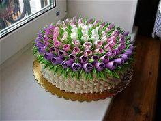 Tulip buttercream cake decorating