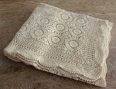 Creamy vintage crochet bedspread (via the Etsy Blog)