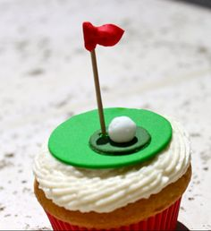 Golf Cupcakes for my brother Golf Cupcakes, Themed Cupcakes, Yummy Cupcakes, Fluffy Cupcakes, Birthday Cupcakes, Fondant Cupcake Toppers, Cupcake Cookies, Biscuit, Mini Cakes