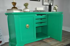 Favorite Paint Colors: Emerald: 2013 Pantone Color of the Year