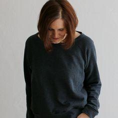 Graues Raglan-Sweatshirt - Schneidersitz