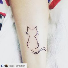 """This is the cutest tattoo ever! #crazycatlady #cattattoo #cat #tattoo #lovetattoo #catinastagram #instacat #catporn #cats #bloggercat #lovecat #catlady…"""