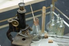I dream of having a whole vintage lab one day.    Google Image Result for http://lh3.ggpht.com/_99DWp9eEiDE/S2EQuWmEkLI/AAAAAAAABH4/d1Uwq1qtxSY/820_1310vintage-lab-glass-apothecary-science1%255B5%255D.jpg