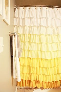 lemon & cream shower curtain DIY