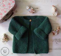 Bonjour Et Bienvenue Pour Un Nouveau Diy - Diy Crafts Baby Knitting Patterns, Knitting For Kids, Crochet For Kids, Knitting Ideas, Tricot Baby, Crochet Baby Cardigan, Booties Crochet, Baby Couture, Baby Sweaters