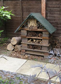 Building a bug hotel or wildlife stack in your garden is a great way to attract beneficial insects and wildlife into your garden such as ladybirds, bumble bees, butterflies, frogs & toads. This will help to create a more diverse range of wildlife in your garden, help tackle those unwanted bugs in your garden and increase pollination. Great idea. #homesfornature #diy