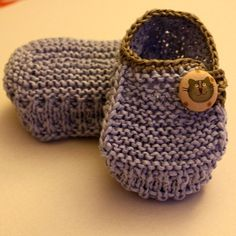 Knitting Pattern Baby Booties Funny Cats 0-6/6-12 months