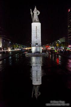 Monument of Admiral Yi Sunchin in Seoul