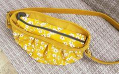 Sac Cancan daim jaune et coton fleuri cousu par Indiana - Patron Sacôtin