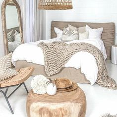 Cocooning teen room for girls and boys - bedroom - By the way, here is little deco level selection. No matter the style of your room, you can easily m - Room Ideas Bedroom, Home Decor Bedroom, Bedroom Boys, Bedroom Chair, Girl Bedrooms, Master Bedroom, White Bedding, Linen Comforter, Minimalist Home