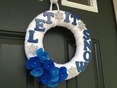 SALE YarnWinter Wreath Let It Snow 12 inches by TheCreativeTeacher, $14.00