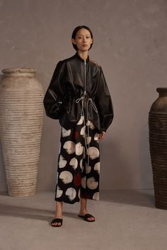 Claudia Li Pre-Fall 2019 Fashion Show Collection: See the complete Claudia Li Pre-Fall 2019 collection. Look 14 Stylish Outfits, Fashion Outfits, Womens Fashion, Fashion Tips, Fashion Design, Fashion Boots, Fashion Fashion, Claudia Li, Style Rock