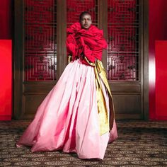 """""""A daydream as an expression of presence, enlivened by beautiful feelings. Bows of gold lamé, cherry red and rose come together for the Beijing show by Photos by Pat Mcgrath, Valentino, Marie Claire, Beijing, Moda Fashion, Womens Fashion, Fashion Trends, Runway Magazine, Gold Lame"""