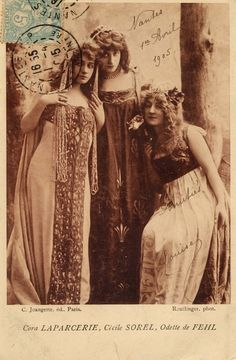 Vintage Photography: Cora Laparcerie, Cécile Sorel, Odette de Fehl 1905