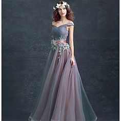 Formal+Evening+Dress+Ball+Gown+Off-the-shoulder+Floor-length+Lace+/+Tulle+with+Lace+–+SGD+S$+116.86