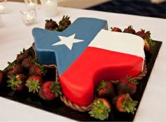 """Nothing says """"I ❤ Texas"""" like a flag-themed wedding cake! (Photo by Mike Adrian, http://www.mikeadrian.com)"""