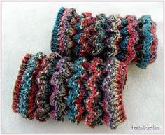 Baby Knitting Patterns Gloves … for my youngest granddaughter I have already seen here, when I called her … Baby Knitting Patterns, Crochet Gloves Pattern, Baby Patterns, Crochet Patterns, Knitting Socks, Free Knitting, Baby Boots Pattern, Crochet Baby Boots, Patterned Socks